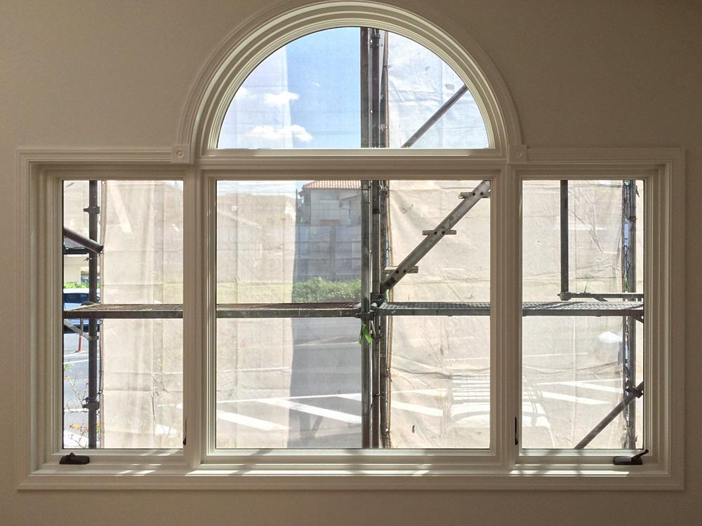 石田ホーム佐倉展示場、木製窓