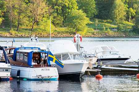 北欧スウェーデン、夏のストックホルム、メーラレン湖の夕暮れです。