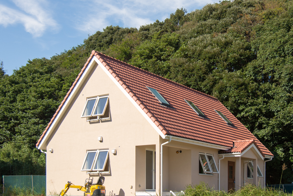 大屋根の北欧輸入住宅