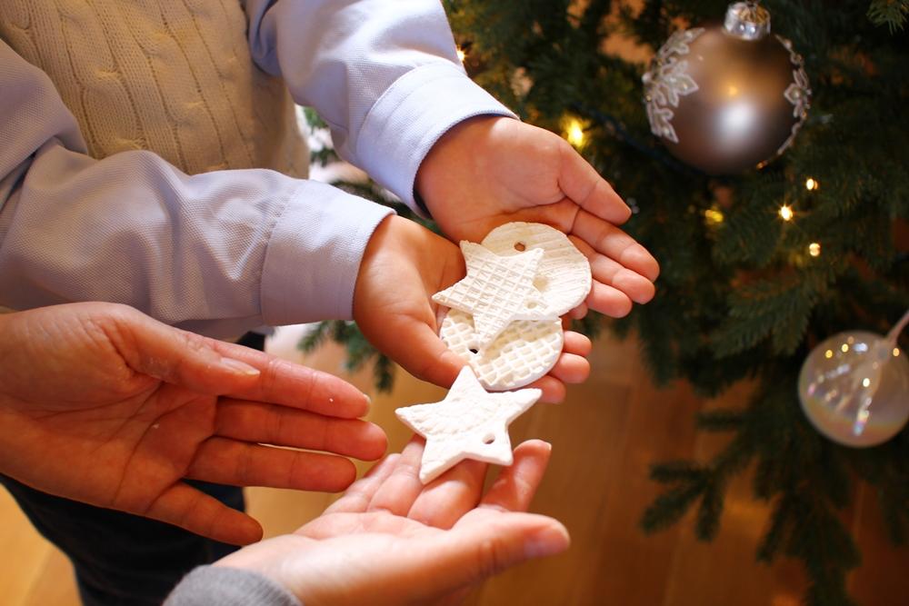 ホワイトクレイのクリスマスオーナメントワークショップ