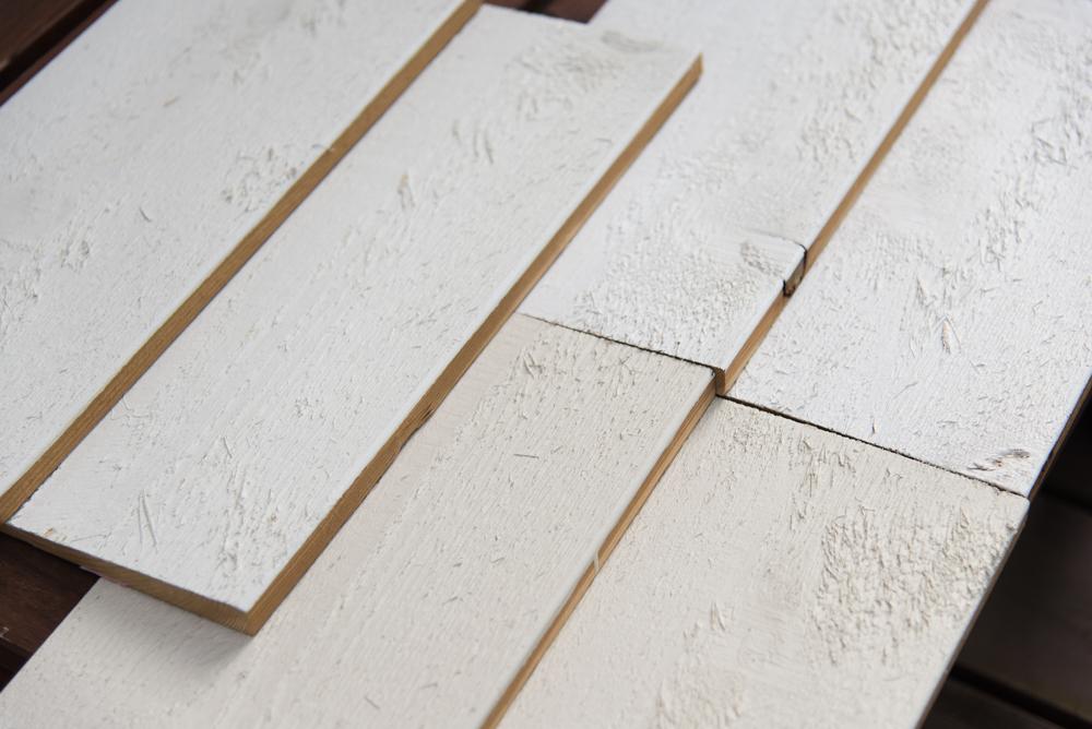 レッドシダー材の木目が塗装の上からでもよくわかります!