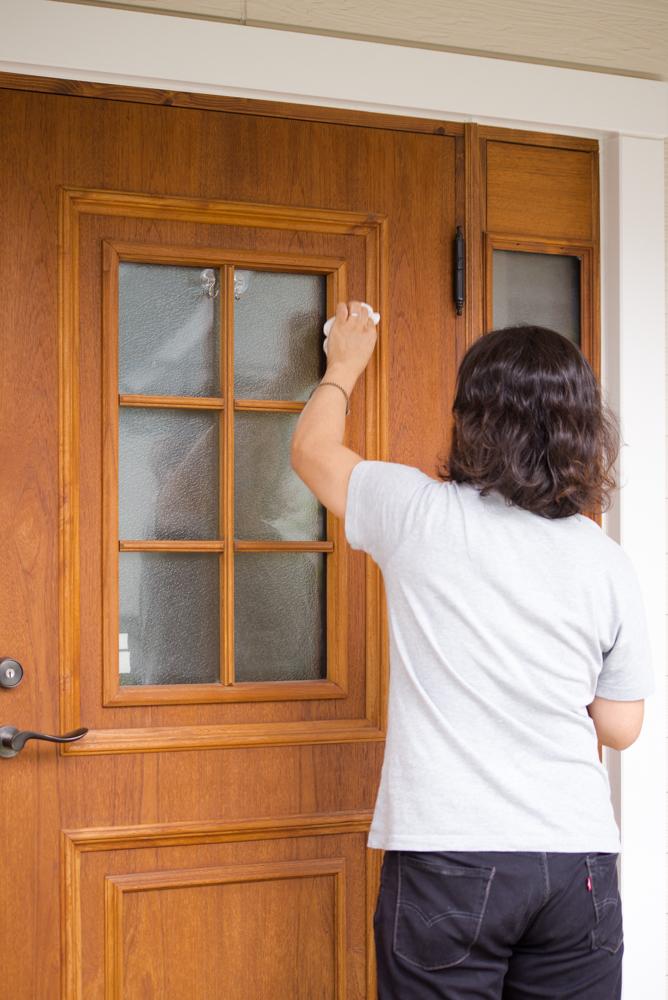 木製断熱玄関ドアのDIYメンテナンス